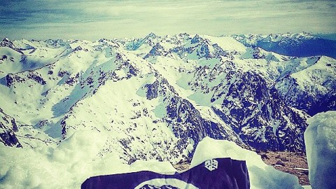 AV7 Renegade @jah_he repping his brothers from the @farfromhomemovie in South America with the limited edition FFHxAVALON7 balaclava. #snowboarding #avalon7 #liveactivated www.avalon7.co