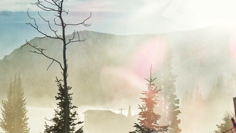Ride fast into the rising sun. Let the magic of the moment take you to bright new places in your heart. Ride on. #avalon7 #liveactivated #snowboarding www.avalon7.co