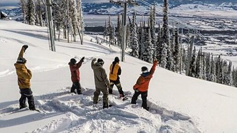 Don't forget to #mobthemountain with your friends tomorrow for #WorldSnowboardDay! Grab your crew and make it happen!  If you're in @jacksonhole this morning come check out the new Teton Lift, it's amazing! Heavy crew about to drop… @travisrice @bryaniguchi @clancy_kyle @cartercountry @robkingwill @gopro #avalon7 #liveactivated #snowboarding www.avalon7.co