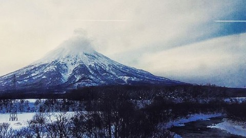 Stand tall like the mountains and flow like water. #avalon7 #liveactivated #spiritusmovie #japow #yotei www.avalon7.co