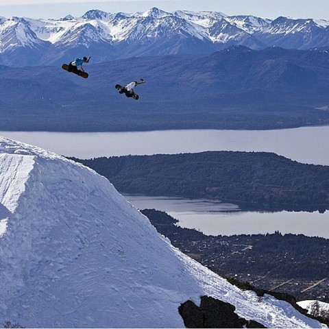 Super rippers @jah_he and  @chasejosey blasting some double up methods in Argentina. Snowboarding is better with friends!  #avalon7 #liveactivated #snowboarding www.avalon7.co