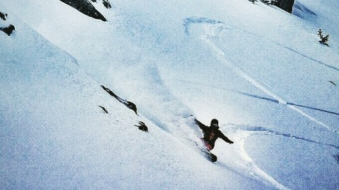 @cooperk bangs a slasher in the @jacksonhole backcountry today.  #arcpractice #slashpow #avalon7 #liveactivated #snowboarding www.avalon7.co
