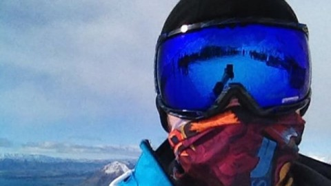 AV7 Collective artist @shark_poems rocking his Dragonbattle #Tshield while shredding Treble Cone in New Zealand today.  It's always winter somewhere. Follow him for amazing art! #avalon7 #liveactivated  Check out his design at www.avalon7.co