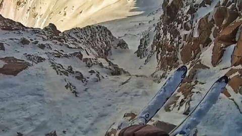 #AV7Renegade @youngdorian is getting after it again in Argentina!  Stay tuned for a new edit that will make you wish you were in the mountains instead of staying at your phone. #avalon7 #liveactivated #skiing www.avalon7.co
