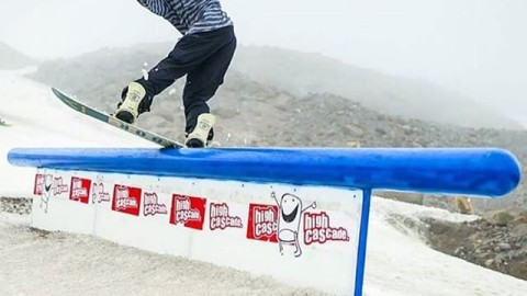 #AV7Renegade @jah_he enjoying the last moments of summer shred. #AVALON7 #liveactivated #snowboarding www.avalon7.co