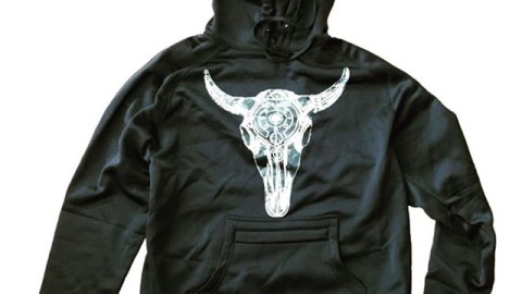 Check out the new Celestial Bison Tech Hoodie over at www.avalon7.co.  Water resistant polyfleece, zippered stash pocket, thumb holes and sweet art by @robkingwill.  Hands down the best hoodie to shred in!  #avalon7 #liveactivated  #snowboarding #techhoodie #bison #sacredgeometry #wemade6