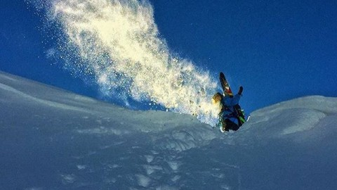 Dream on. @youngdorian #avalon7 #liveactivated #skiing #av7renegade www.avalon7.co