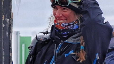 Gwynn Howat is one of the coolest people you'll ever meet. After 30 years of digging banks in the rain, dealing with broken timing and renegade racers, she's still smiling at the top of the #legendarymtbakerbankedslalom. The Howat family owns and operates @mtbakerskiarea, and to me set an amazing example of how ski areas should be run, with integrity, heart and soul. Thank you Gwynn for all you do to make the best event in snowboarding happen year after year! -RK#lbs30 #mtbaker #avalon7 #liveactivated #snowboarding