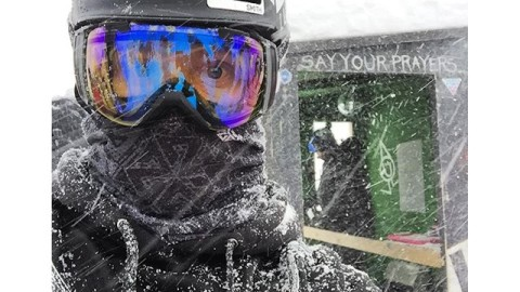#A7CO founder @robkingwill just won the #legendarymtbakerbankedslalom rocking his Mesh Faceshield start to finish in the course to protect his face from the full blizzard conditions. Full breathability and no goggle fog! #provenperformance #avalon7 #liveactivated #snowboarding #lbs30 www.avalon7.co