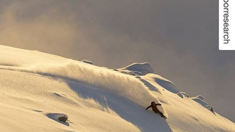 Regram from #A7Renegade @cooperk ripping some pow at Icefall Lodge. #avalon7 #liveactivated #snowboarding #followthestoke www.avalon7.co