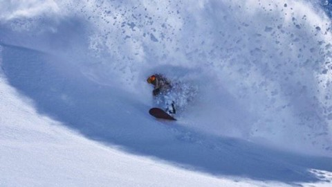 Rider @barolddoug gets barreled in @valle_nevado. Winter is still hitting down south!  Photo @txematrull  #AVALON7 #liveactivated #snowboarding #inspiredstate www.a-7.co