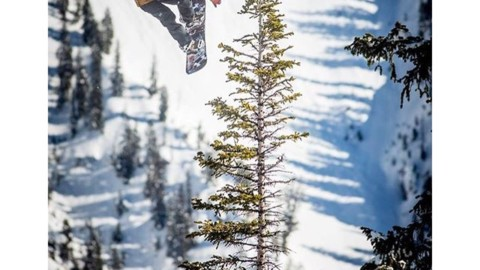 #A7Renegade team member @camfitzpatrick blastin' while filming for @travisrice new film The Fourth Phase. Has anybody out there seen it at one of the premieres yet?! Photo @blaaatt #snowboarding #inspiredstate #liveactivated Check out Cam's new Renegade Series BlackWolf Faceshield at www.a-7.co