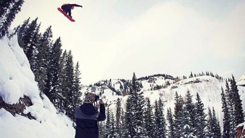#A7Renegade @chasejosey getting warmed up in Colorado for the US Grand Prix.  Watch out for this kid he's coming in hot! Photo @zachhooperphoto  #doublebacon #liveactivated #snowboarding www.a-7.co