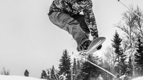 @sethwescott kicks the season off right on opening day at @sugarloafmountain.  Have you been out yet?  Photo: @timcutler @wintersticksnowboards #AVALON7  #seekthespark #snowboarding www.avalon7.com