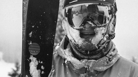 Adventurer @bullerrork rocks one of our Classic FaceShields on opening day of @grandtargheeresort.  Keep your face warm and toasty on the deepest days and #staystokedoutdoors!  We wanna see your pow faceshots and selfies this winter, tag @avalon7 and if we share your photo we will send you some swag!  #AVALON7 #liveactivated #skiing #A7ShieldsUp www.avalon7.com