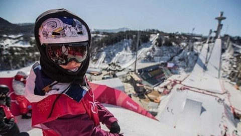 Send Renegade @sarkasnow some good vibes today asshe competes in big air at the Olympics!! #gosharksgo #snowboarding