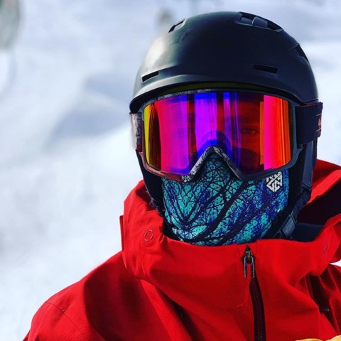 @rylandbell fully flared in our Blue Spirit Mesh Facemask.  Our innovative X7 mesh material allows you to breathe fully and easily with no goggle fog.  #AVALON7 #seekthestoke #snowboarding www.avalon7.com