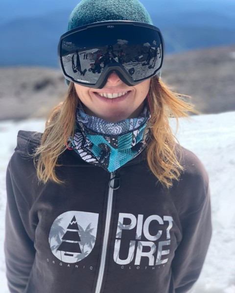 A7 Team rider @sarkasnow rocking her signature Mesh Tube facemask at @highcascade.  The mesh is perfect for keeping the sun off your face while shredding the glacier. #AVALON7 #LiveActivated #snowboarding #facemasks #art
