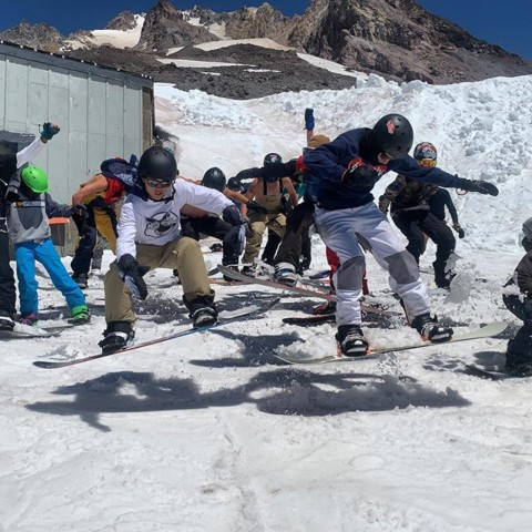 Ain't nothing like shredding with you friends in the summer! @highcascade #inspireeachother #LiveActivated #snowboarding