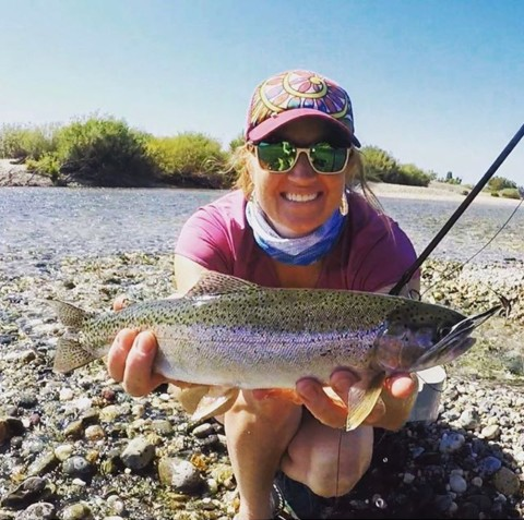 Fall is for fishing!  A7 team member @heidiaqua always seems to catch big fish, and does it in style with wearing one of our limited edition Mesh Tubes to protect her face from the sun and wind. #AVALON7 #LiveActivated #flyfishing #womenwhoflyfish